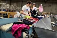 Fizyczna praca w Niemczech bez języka dla par sortowanie odzieży Karlsruhe