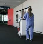 Berlin dam pracę w Niemczech przy sprzątaniu terminala na lotnisku