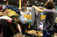 Dam fizyczną pracę w Niemczech dla par bez języka sortowanie odzieży 2016