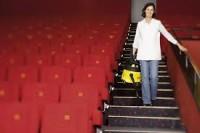 Ogłoszenie pracy w Niemczech od zaraz Bremen przy sprzątaniu kina dla Polaków