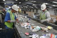 Niemcy praca fizyczna przy recyklingu sortowanie odpadów bez języka Essen