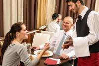 Kelner lub kelnerka dam pracę w Niemczech bez doświadczenia, Bernkastel-Kues