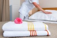 Praca Niemcy jako pokojówka przy sprzątaniu w hotelu z Regensburga