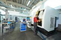 Dam pracę w Niemczech jako operator CNC w firmie z Kell am See