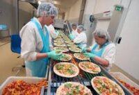 Dla par Niemcy praca bez znajomości języka na produkcji pizzy od zaraz fabryka Berlin 2021