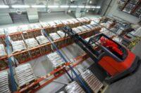 Bez języka praca w Niemczech jako operator wózka widłowego bocznego na magazynie wysokiego składowania